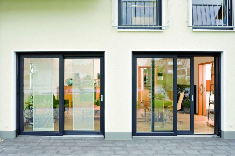 Terrassen mit 2 2-flg. Hebe-Schiebe-Türen, HSCH-Tür anthrazit